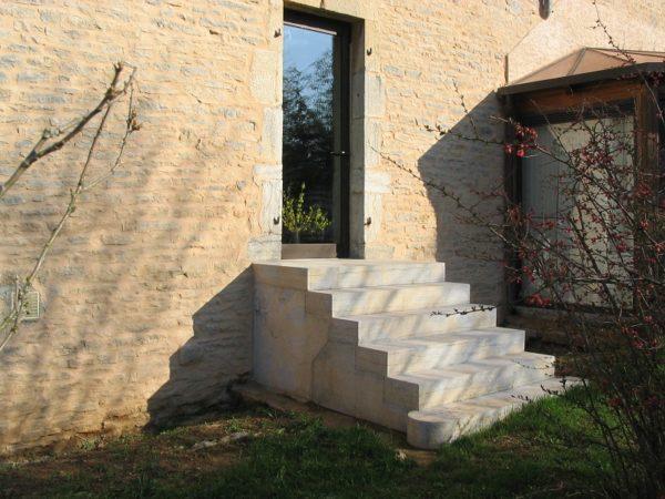 Escalier Corton beige bleu extérieur