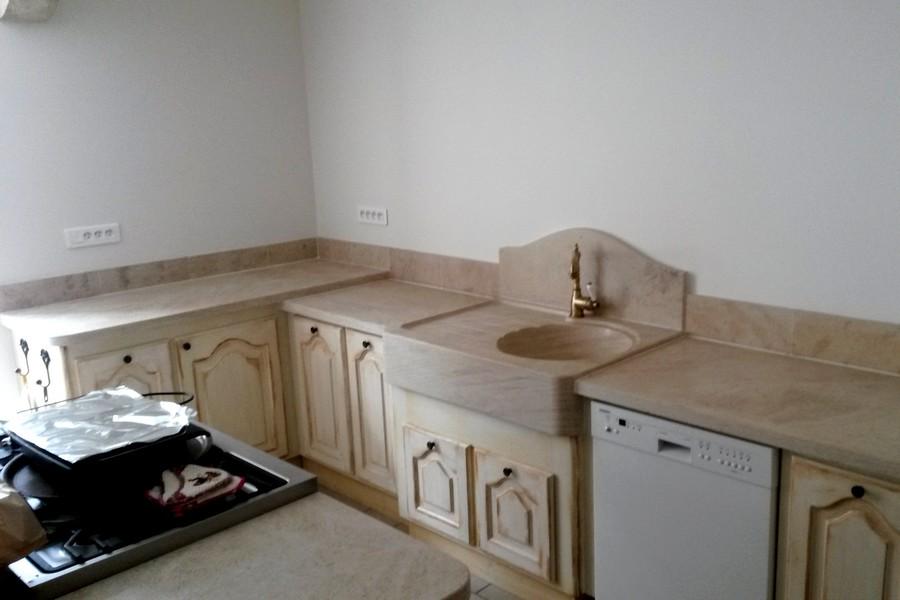 cuisine am nag e en pierre vier cr dence plan de travail. Black Bedroom Furniture Sets. Home Design Ideas