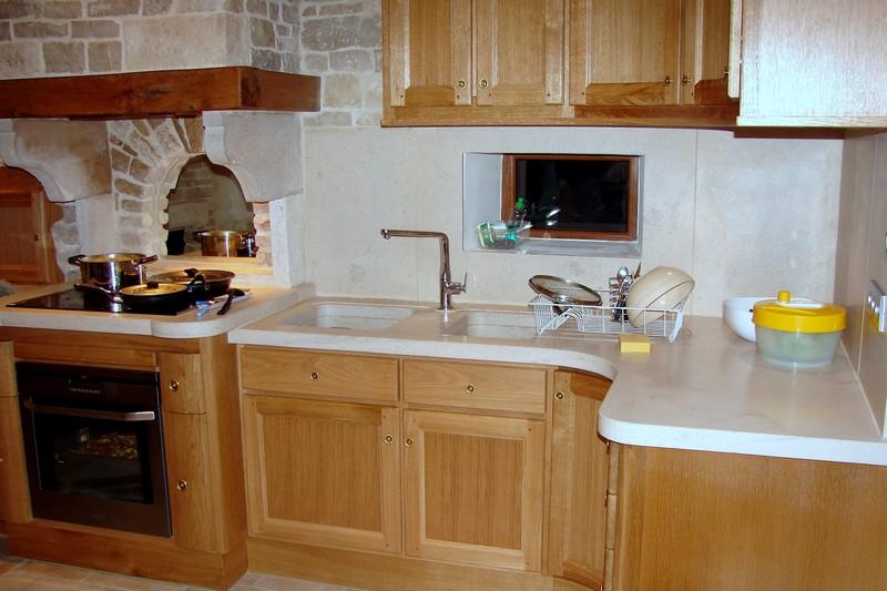 cuisine en pierre de bourgogne cr ation et conception selon votre projet. Black Bedroom Furniture Sets. Home Design Ideas