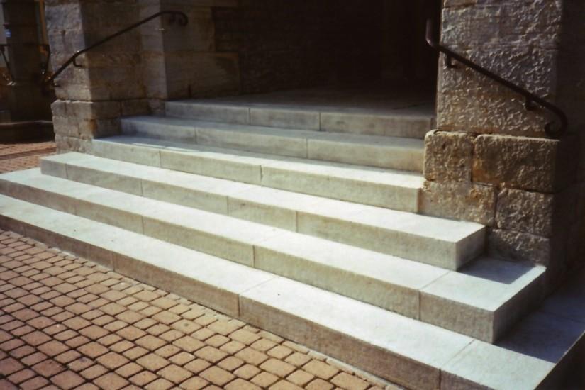 Escalier Eglise de Daix