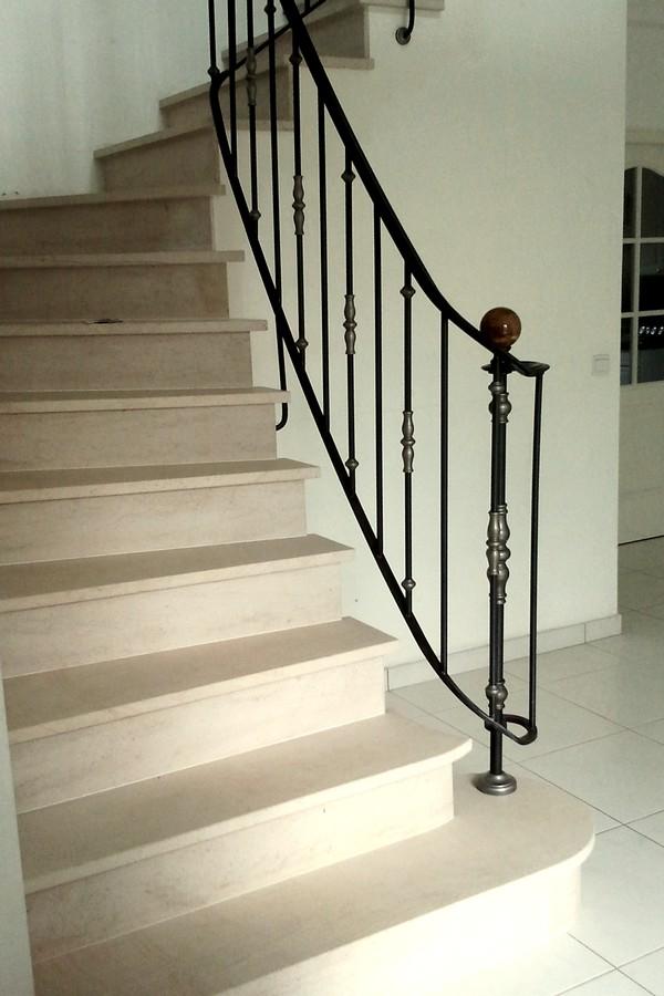 habillage d escalier en pierre serge moret ma tre artisan tailleur de pierre. Black Bedroom Furniture Sets. Home Design Ideas
