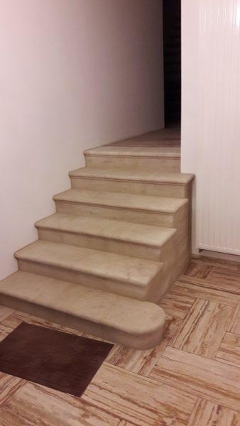 Escalier massif