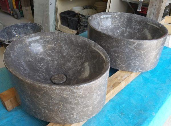 Vasques en marbre gris